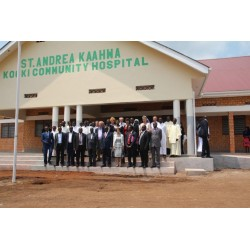 Community Hospital bei der  St. Andrea Kaahwa Comprehensive School